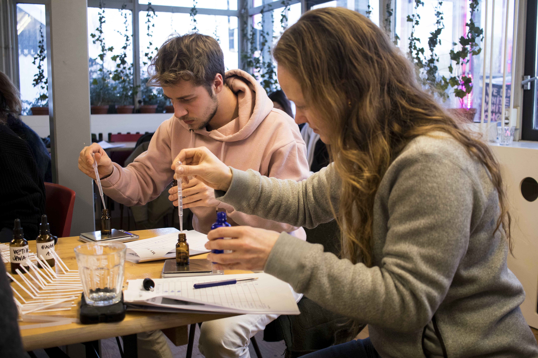 Workshop: Scent Design - Mediamatic