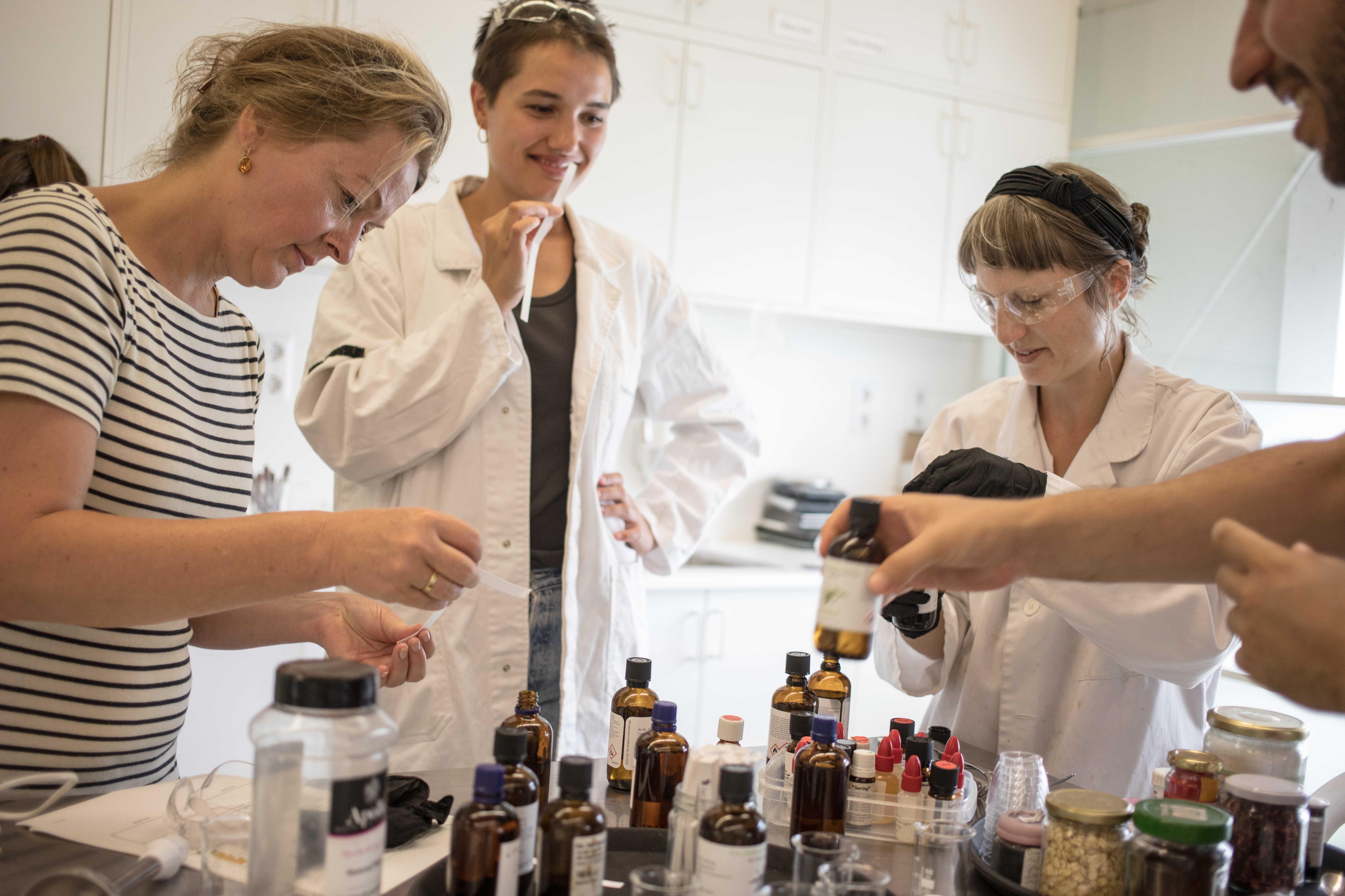 Workshop: Natural Soap-Making - Mediamatic